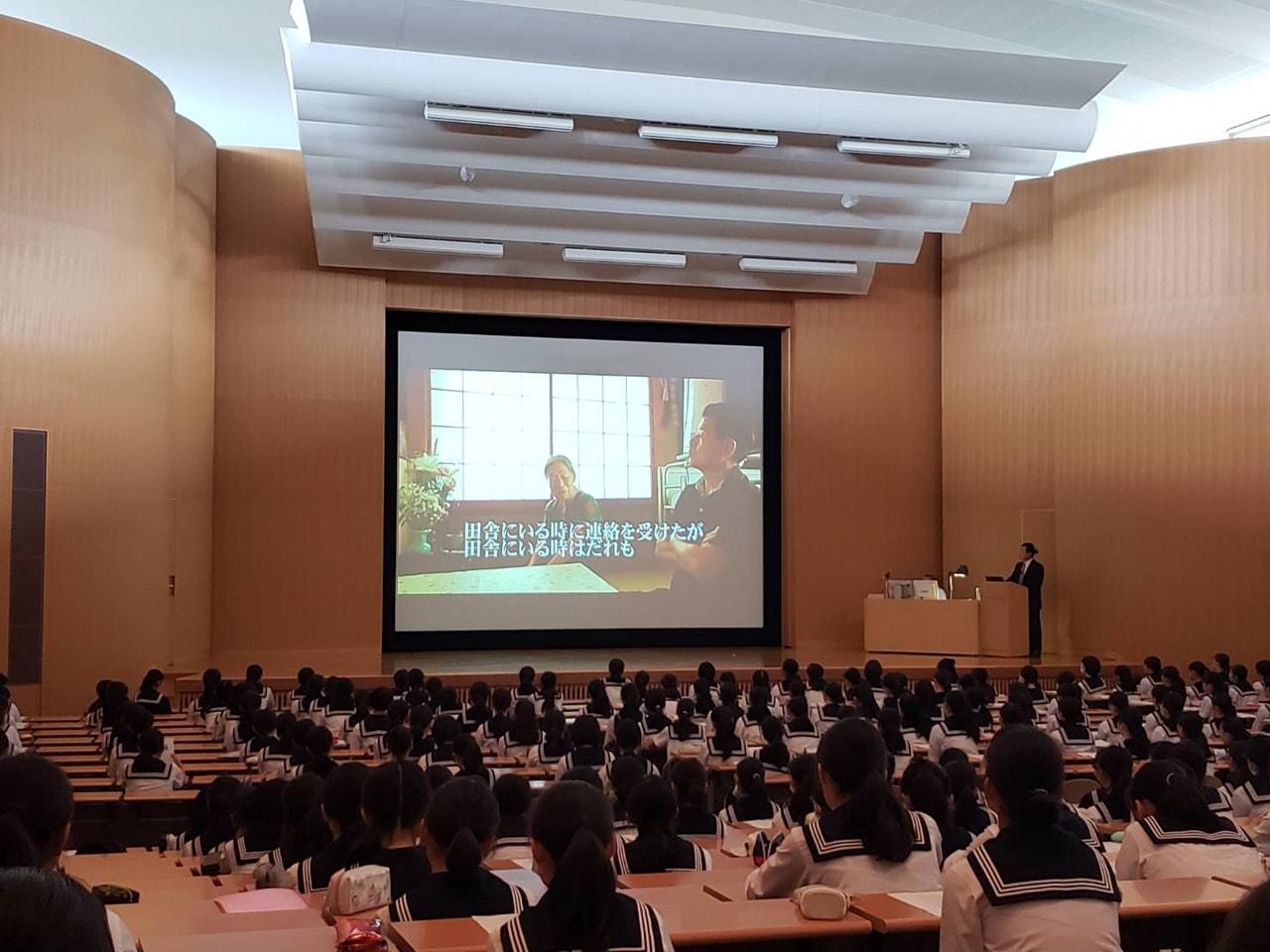 【中2・中3】合同道徳授業「かけがえのない命の大切さ」講演会