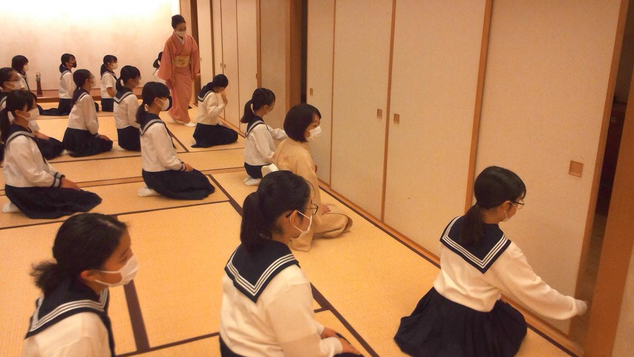 【中1】茶道の授業